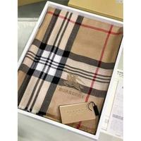 巴寶莉 Burberry 最新款震撼推出頂級莫代爾羊絨絨面料圍巾