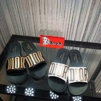 Dior 立體字母平底涼拖鞋