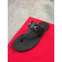 新款經典拖鞋同步專柜發售