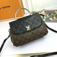新品Louis Vuitton 路易威登 LV 手采