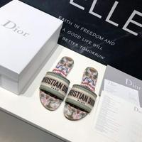 迪奧DIOR春夏度假系列繡花拖鞋這款平底系列