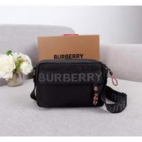 Burberry 巴寶莉原版品質B家最新款精巧的斜背包