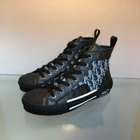 Dior 迪奥 情侣款这款运动鞋是D家经典单品