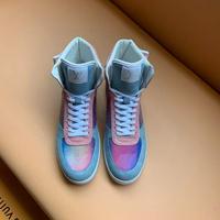 LV Louis Vuitton 路易威登--新款炫彩镭射5D变色龙运动板鞋