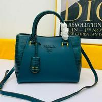 新品 Prada 普拉达 手提包